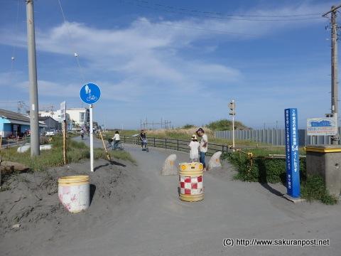 茅ヶ崎港入り口