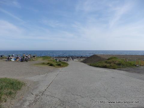 柳島キャンプ場前の海岸