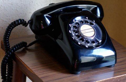 電話で注文・取引